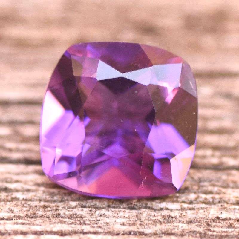 1.30cts Purple Amethyst Stone Clarity:VVS Hardness: 7 Origin: Brazil Treatment: None This Amethyst