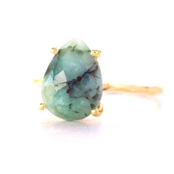 Green Raw Emerald Ring Gold, May Birthstone Ring, Gemstone Ring, Stacking Ring, Tear Drop Ring, Pro