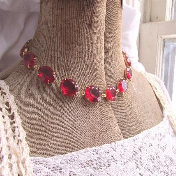 Red statement necklace, Anna Wintour necklace, red choker, edwardian jewelry, ruby necklace, ruby j