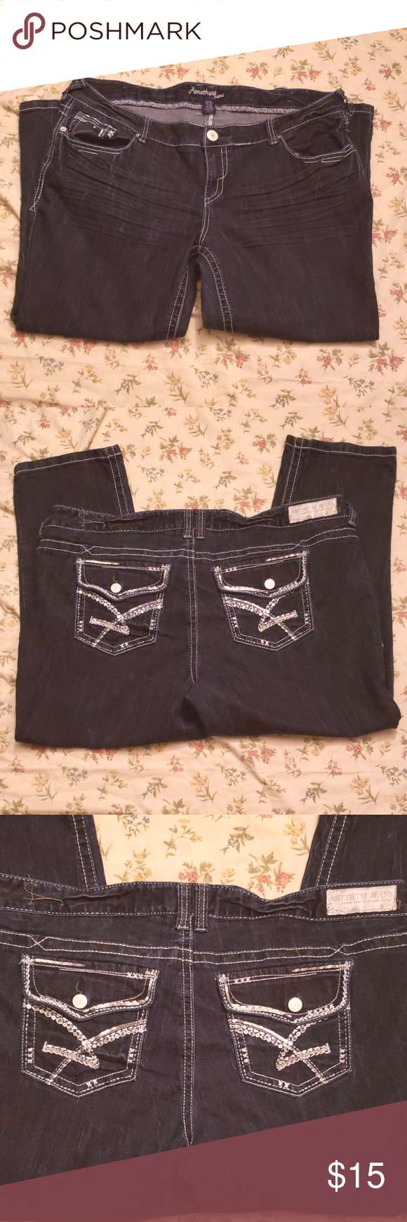 AMETHYST SERIES 31 SHORT AND SWEET JEANS AMETHYST SERIES 31 SHORT AND SWEET JEAN'S SIZE 20 25