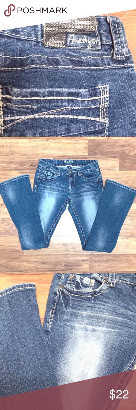 Amethyst Size 9 Junior Jeans with Silver Sequins Amethyst Size 9 Junior Jeans with Silver Sequins.