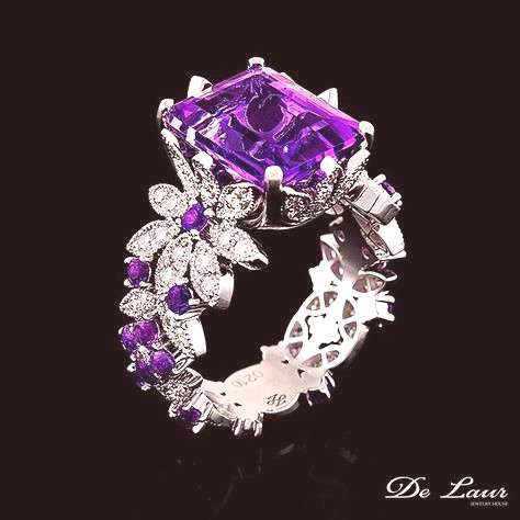 Fine ring with Amethyst and Diamonds from De Laur Jewelry