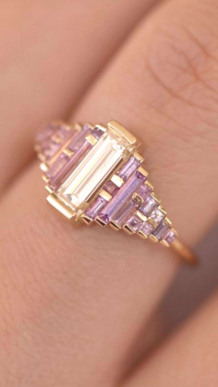gorgeous Art Deco baguette ring with shades of amethyst